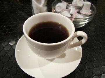 食後にはサービスでコーヒーが付いた