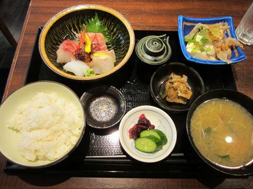 「刺身定食」と「ミニざる豆腐」