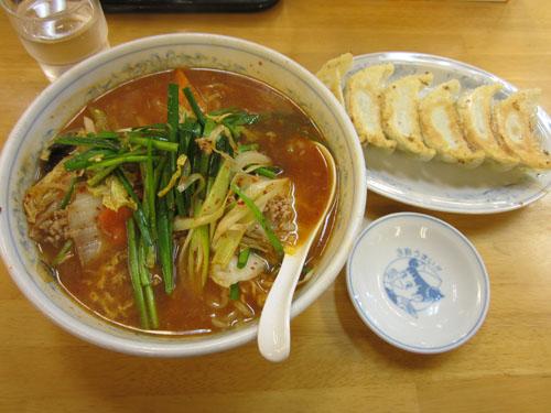「ピリ辛ラーメン」と「餃子」