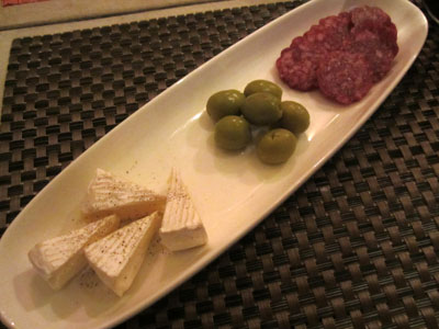 チーズ・サラミ盛合せ