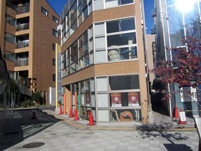 久米川駅北口に新しく建てられているビル