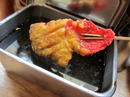 紅生姜をソースに付けると、こんな感じ