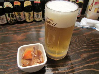 生ビールとお通しの肉じゃが