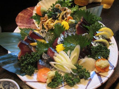 刺身2品とツマミに頼んだ貝ひもポン酢がシーパラダイスに変貌!