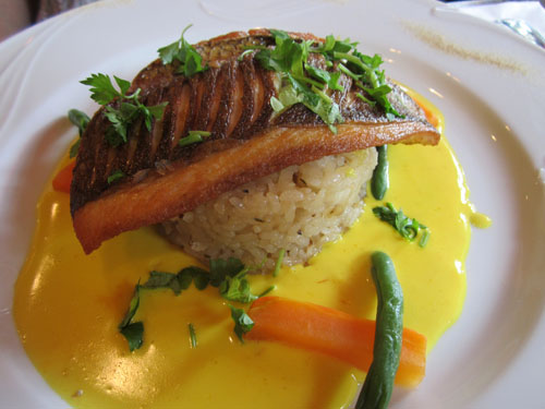 カミさんのメイン「本日のおすすめ鮮魚料理」