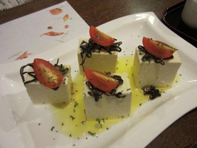 豆腐のカプレーゼ