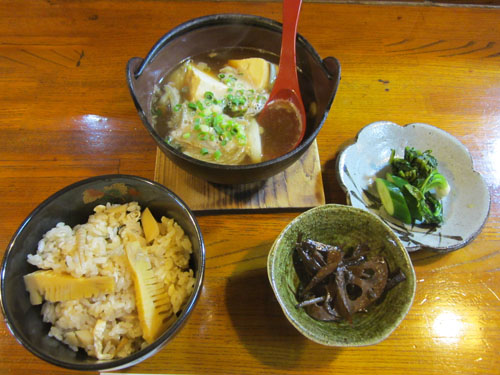 牛肉豆腐の鉄鍋仕立て