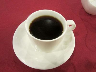 食後にコーヒーを飲んでごちそうさま