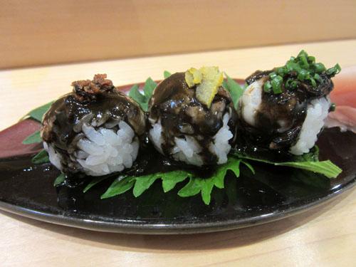 「ダイヤ寿司」の「黒いタコ焼き寿司」