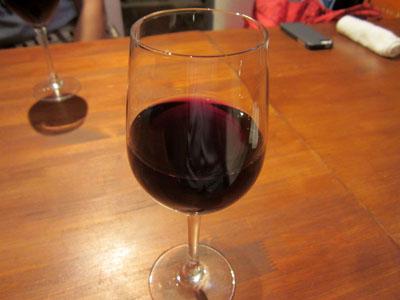 赤ワインで乾杯