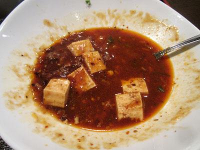 ご飯はなくなったが、麻婆豆腐がまだ残っている