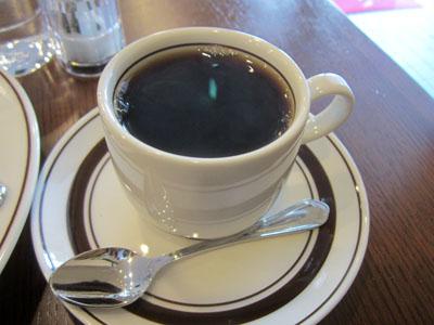 コーヒーは挽きたての淹れたて