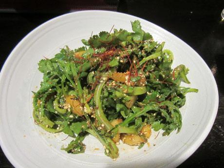 春菊とパクチーのスパイスサラダ