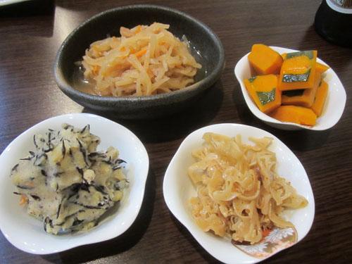 切り干し大根、かぼちゃ煮、蓮根金平、芋ひじき