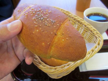 カレーバターパンからいただきま~す