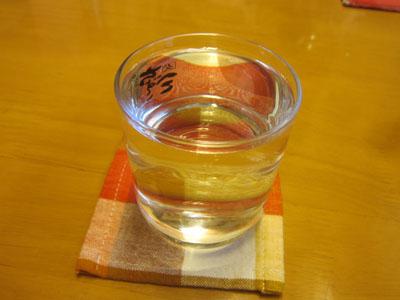 日本酒の冷やで乾杯