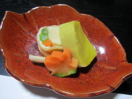 信田巻と栗麩の煮物