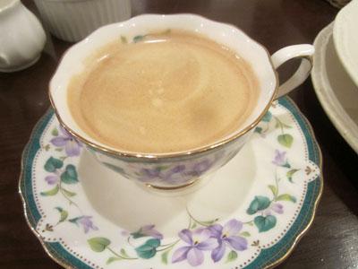 ホットコーヒーを飲んでごちそうさま