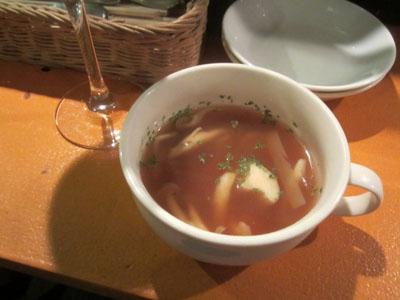 お通しはスープ