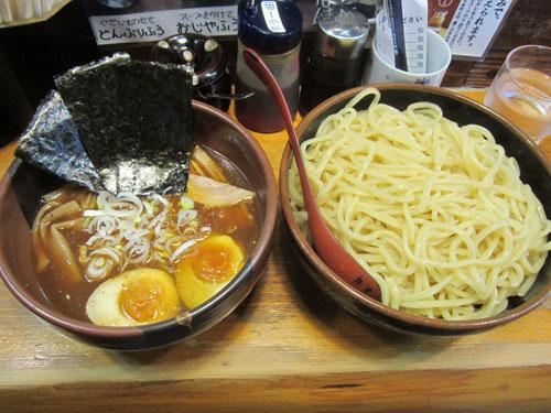 冷しスープつけ麺(醤油)の大盛、全部乗せ