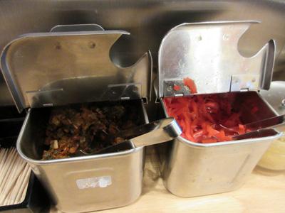 定番の辛子高菜と紅生姜