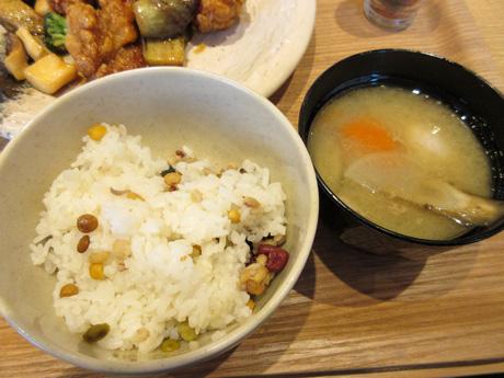雑穀米と豚汁