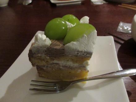 デザート第1弾は最初のケーキ