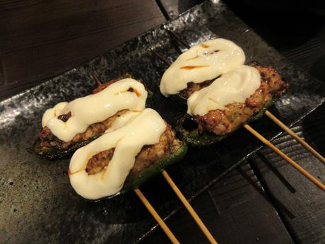 ピーマン肉詰め串on the チーズ