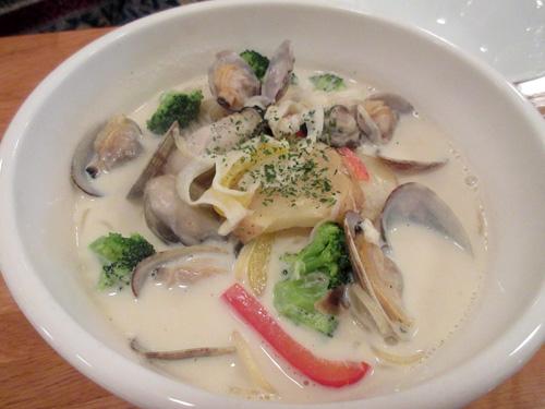 牡蠣の海鮮出汁豆乳チャウダー