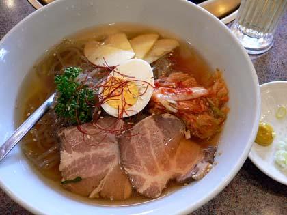 「安楽亭」の冷麺