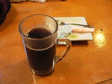 食後にはホットコーヒーが出て来た