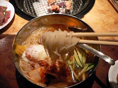 冷麺のアップ