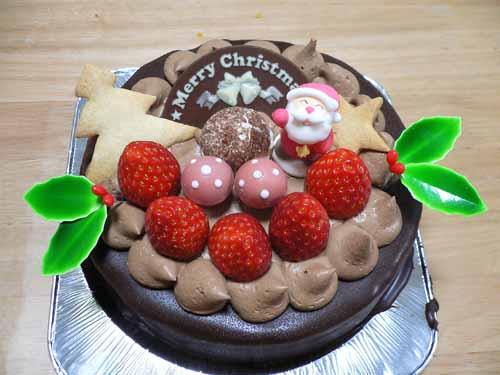 購入した5号のチョコレートケーキ