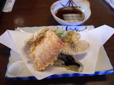 追加で頼んだ野菜天ぷらの盛り合わせ