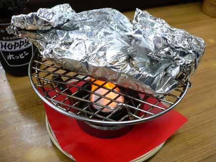 キノコホイル焼。まさか卓上で焼くとは…