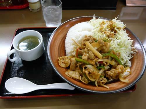 メガ生姜焼き丼