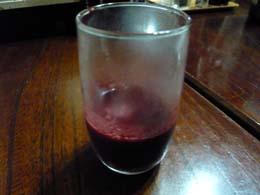 生き血の赤ワイン割り