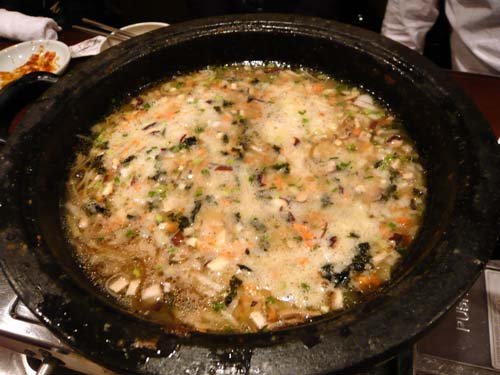 プルコギの鍋に雑炊セットをIN!