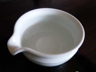 お代わりする時はこの器にお湯を入れてもらい…