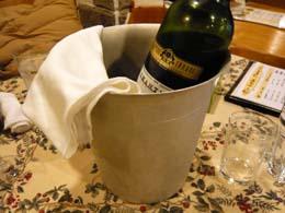 赤ワインなのになぜかクーラー付き