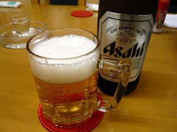 まずはビールでスタート
