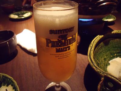 まずは生ビールで乾杯