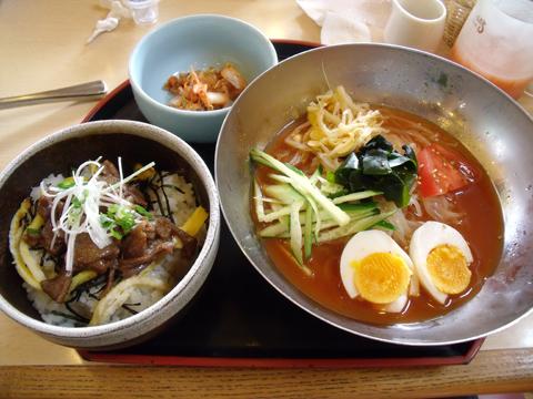 冷麺と焼肉丼