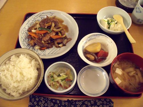 マグロのスタミナ炒め定食