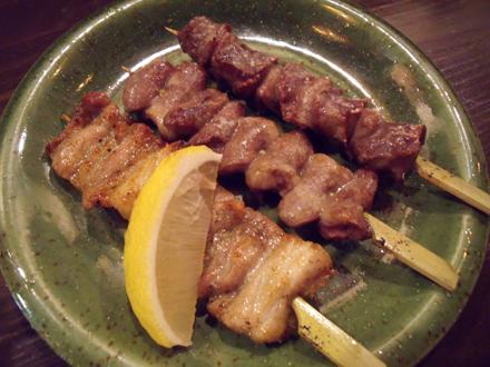 左から豚カルビ、ハツ、砂肝