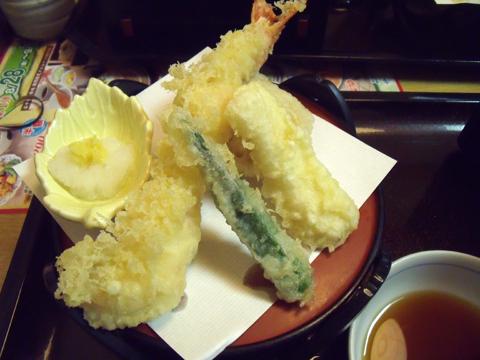 天ぷら盛り合わせが到着