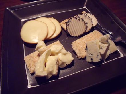 四種のチーズ盛り