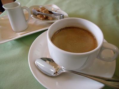 食後はコーヒーを飲みながらまったり
