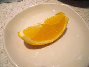 食後にオレンジが出てきた