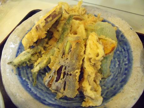 野菜天ぷらの盛り合わせ